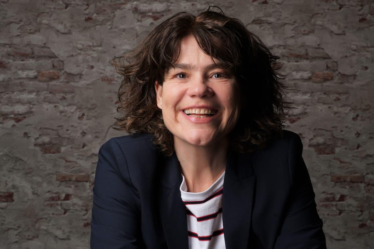 Angela Gerarda Maria via Paul Camper GmbH